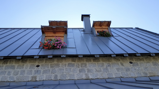 stnading-seam-metal-roof